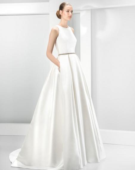 7b8e891a3ad JESUS PEIRO svatební šaty - model 6030 (Bratislava) ...